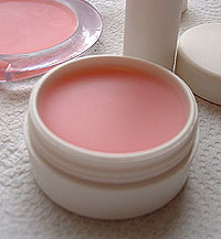 How to Make the Best DIY Lip Balm Ever