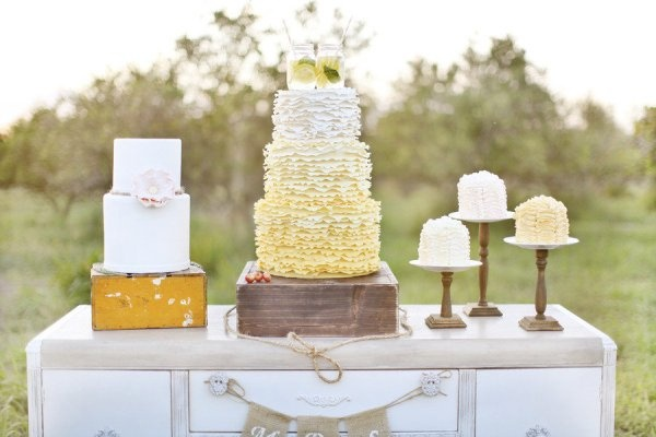 Cake Display Coordinate With The Beautiful Desk That Acts As A Display