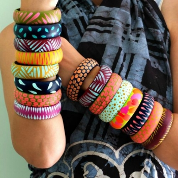 10-tips-for-accessorizing-at-holiday-parties9