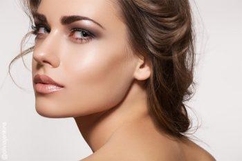 How to Apply Makeup, Makeup Tips and Tricks, Makeup Application, Makeup Application Tips, Beauty Hacks, How to Apply Makeup Fast, Beauty Tricks, Popular Pin