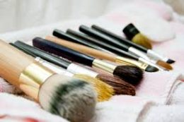 How to Clean Your Makeup Brushes4
